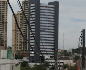 CENTRO EMPRESARIAL OFFICE TOWER - Foto